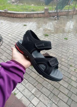 Кожаные сандали на липучках