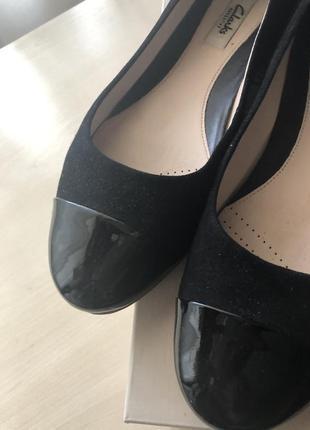 Оригинальные туфли clarks