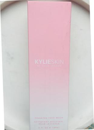 Пенка для умывания kylie skin foaming face wash 149 мл