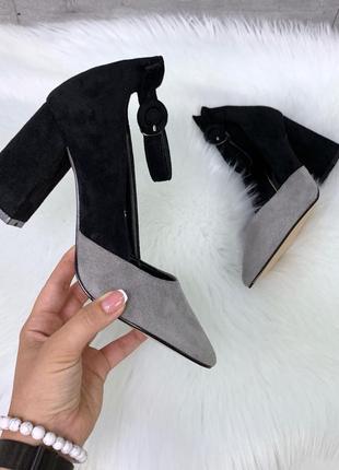 Туфли чёрные серые с ремешком