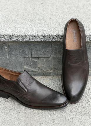 Шкіряні туфлі-підкресли свою індивідуальність!