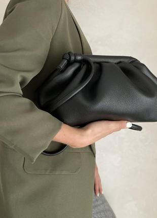 Тренд сезону жіноча стильна сумка чорного кольору