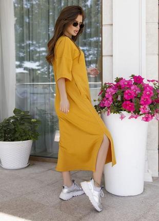 Стильное длинное хлопковое платье футболка горчичное прямое3 фото