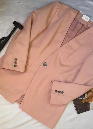 Супер стильный пудровый пиджак, удлиненный , тренд 2020 , размер m-s