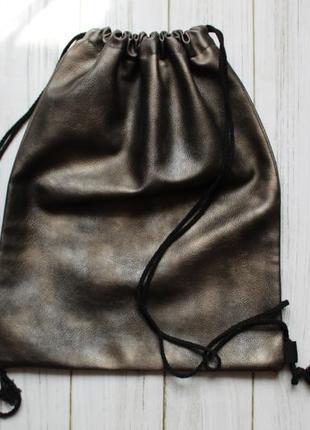 Кожаная сумочка мешочек