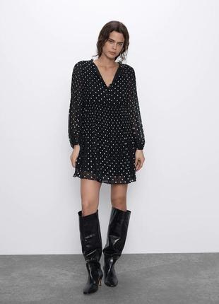 Черное платье zara в горошек с плиссировкой размер xs
