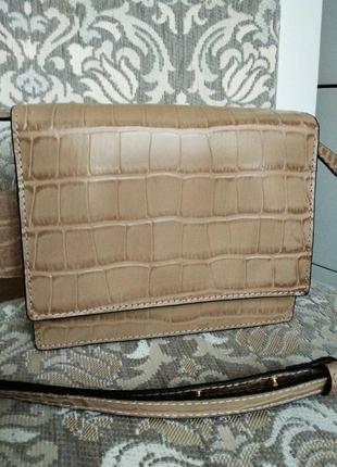Шикарная маленькая кожаная женская сумочка( италия) качество люкс , новая в наличии