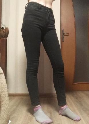 Чёрные утеплённые джинсы