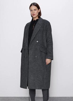 Модное пальто оверсайз от zara, размеры s, м