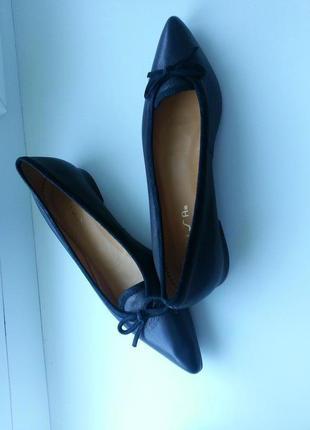 Кожаные туфли испанского бренда unisa