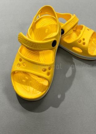 Босоножки, сандалии, кроксы для девочки