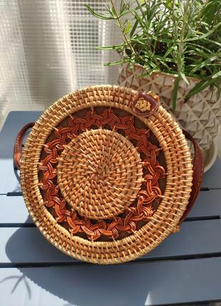 Вместительная плетёная сумка из ротанга