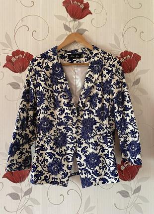 Пиджак с принтом