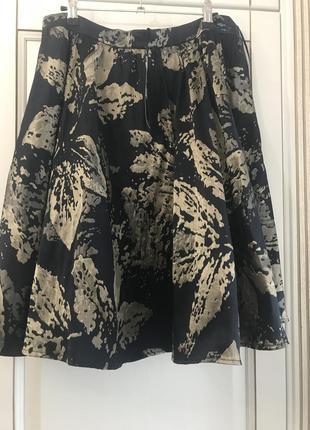 Очень красивая,нарядная юбка от бренда tu