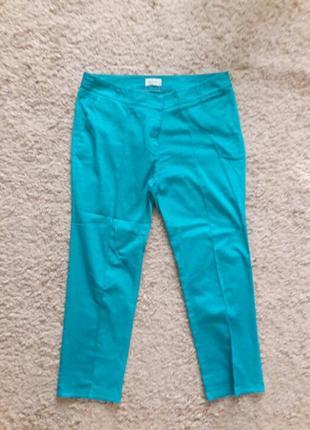 Яркие брюки чиносы