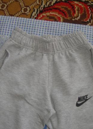 Спортивні штани для дівчинки , 7 - 8 років.