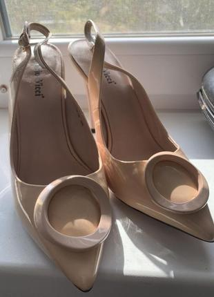 Туфли лодочки бежевые босоножки с открытой пяткой