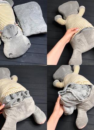 Бегемот игрушка-подушка с пледом внутри серого цвета