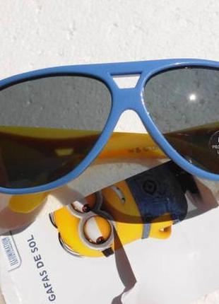 Despicable me. солнцезащитные очки с миньоном от 3 лет.