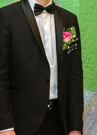 Мужской костюм смокинг+рубашка и бабочка