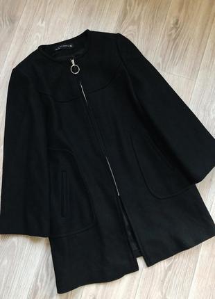 Чёрное шерстяное пальто трапеция zara