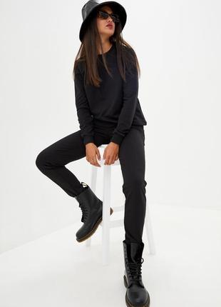 Костюм спортивный женский,с свитшотом чёрного цвета