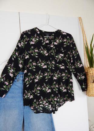 Базовая летняя рубашка блуза из 100% вискозы в цветы от  atmosphere