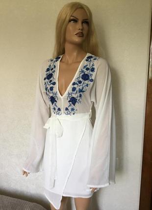 Платье с вышивкой missguided размер 6/8