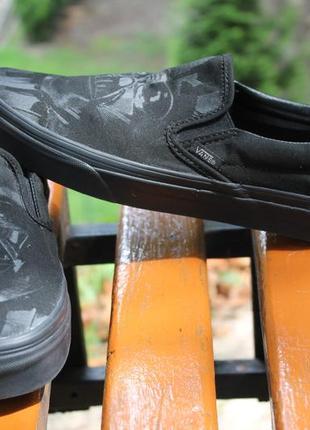 Стильные черные слипоны vans star wars