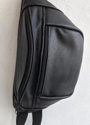 Большая бананка из натуральной кожи, сумка на пояс вместитетльная черная матовая б20