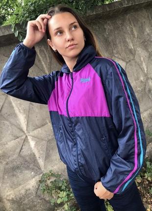 Классная женская ветровка от lonsdale яркая кофта