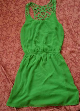 Зеленое платье express