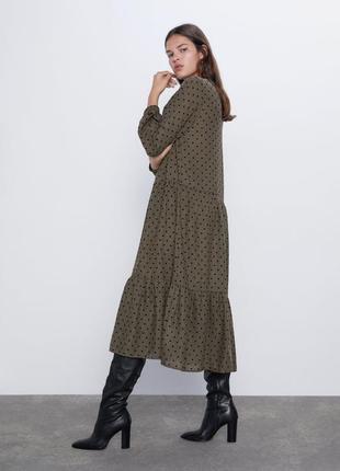 Платье zara воланами длинное  в горошек черно-хаки