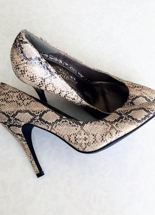 Змеиные туфли лодочки змеиный принт под кожу змеи e-vie 38р.