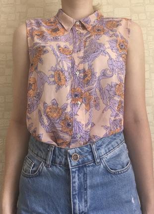 Блузка без рукавов в цветочный принт😍