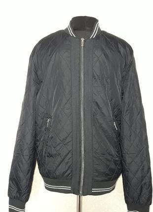 Мужская стёганая куртка-бомбер тёмно-синего цвета ostin
