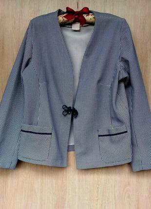 Шикарный нарядный блейзер в крапинку размер 16-18 (46-48)