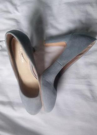 Новые нежно-голубые туфли на устойчивом каблуке размер 38