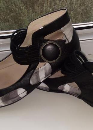 Шикарные туфли  босоножки мокасины  франция