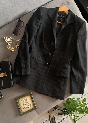 Винтажный  шерстяной пиджак escada р.34