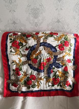 Роскошно красивый шелковый платок christian dior