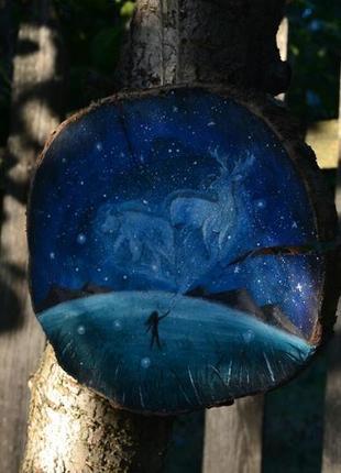 Картина ручной работы на срезе дерева