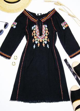 Черное платье-вышиванка