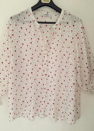 Милая штапельная блуза принт клубнички пог 65 см
