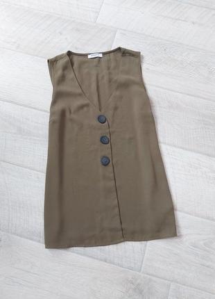 Темно бежевая блуза с пуговицами