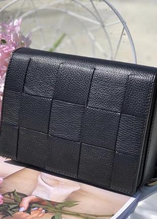 Кожаная чёрная сумочка с плетением на ремешке италия сумка кожа