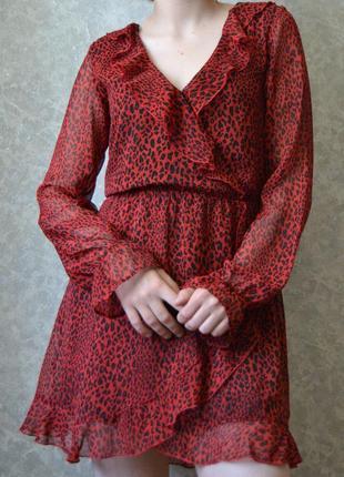 Шифоновое платье с рюшами в леопардовый принт