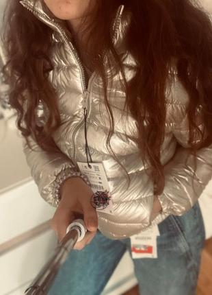 Золотистая куртка zara