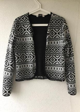 Невероятной красоты блейзер пиджак жакет с кисточками в принт