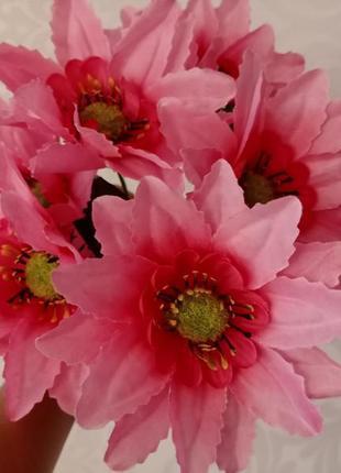 Искусственные цветы.